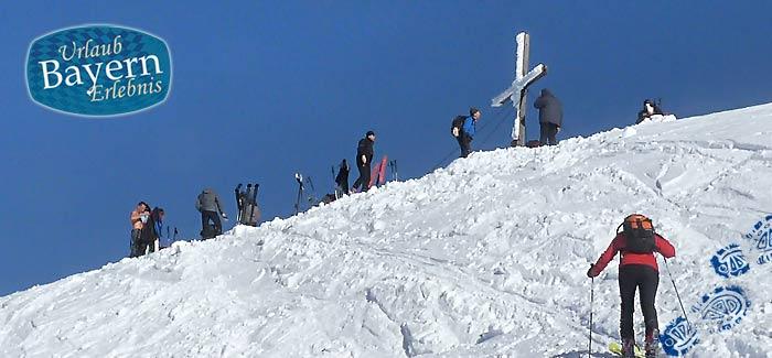 Beim Skibergsteigen in Bayern den Gipfel fest im Blick
