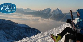 Das Gipfelerlebnis bei einer Skitour in den Bergen von Bayern