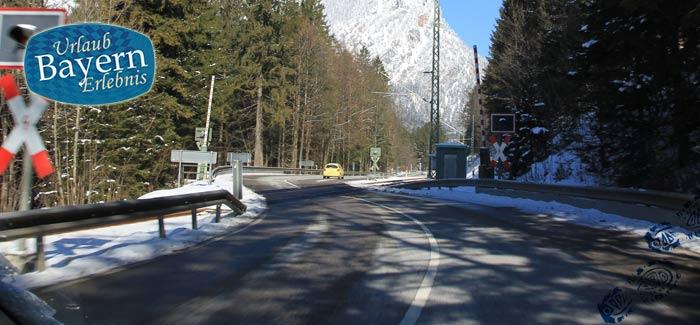 Der Winterdienst sorgt für freie Straßen in Bayern